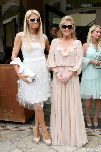 Пэрис Хилтон на презентации новой модной линии своей матери