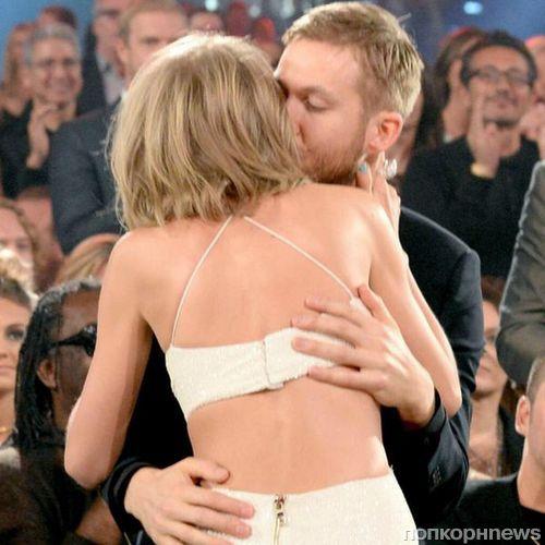 Нежный поцелуй Тейлор Свифт и Келвина Харриса на церемонии  Billboad Music Awards 2015