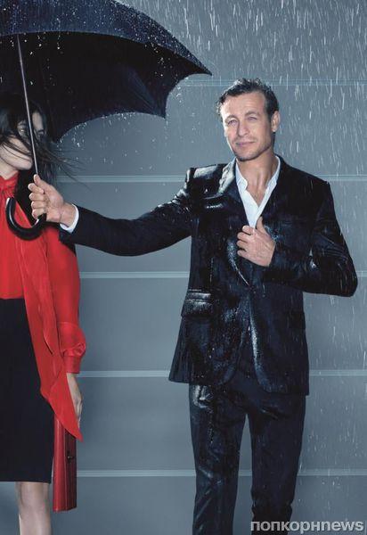 Первый взгляд: Саймон Бейкер в рекламе аромата от Givenchy «Gentlemen Only»