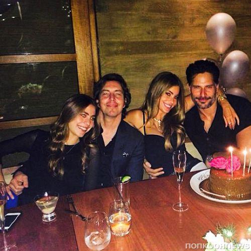 София Вергара отметила день рождения в компании Джо Манганьелло