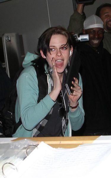 Кристен Стюарт веселит папарацци Нью-Йорка