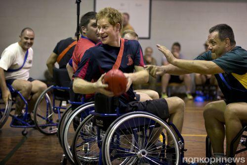 Принц Гарри сыграл в футбол в инвалидной коляске