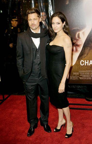 Брэд Питт и Анджелина Джоли сыграют скромную свадьбу