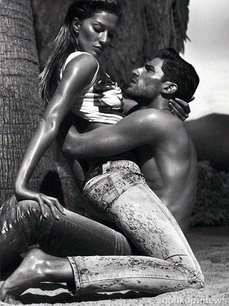 Жизель Бундхен в рекламной кампании Versace Jeans. Весна / лето 2012
