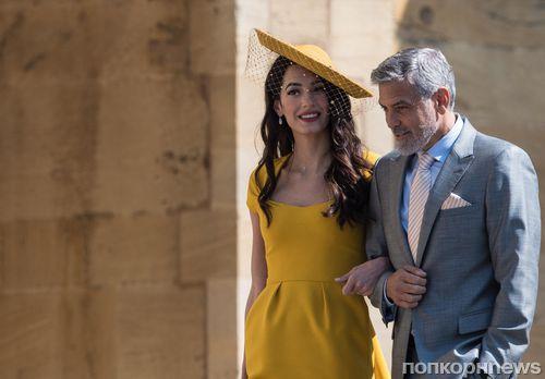 Платье Амаль Клуни оказалось самым популярным звездным образом с королевской свадьбы
