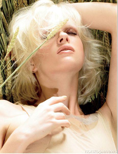 Новая коллекция декоративной косметики MAC Naturally 2012