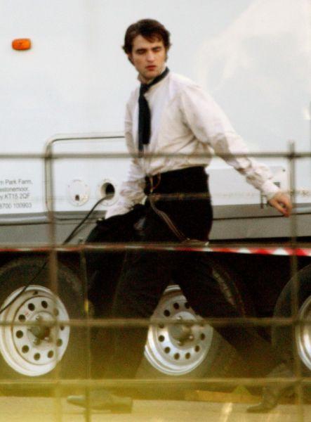 Роберт Паттинсон на съемках фильма «Милый друг». 10 февраля