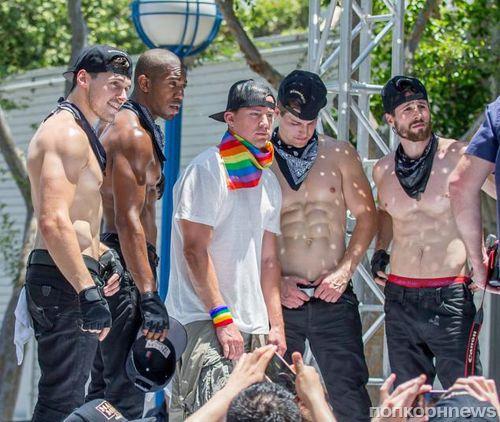 Ченнинг Татум принял участие в гей-параде в Лос-Анджелесе