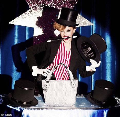 Кайли Миноуг в рекламе сумок Tous