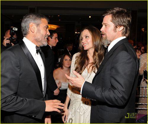 Джордж Клуни отлучил семейство Джоли-Питт от своего дома