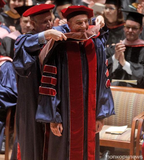 Дэниел Дэй-Льюис получил научную степень