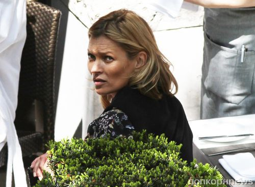 Кейт Мосс устроила скандал на борту самолета