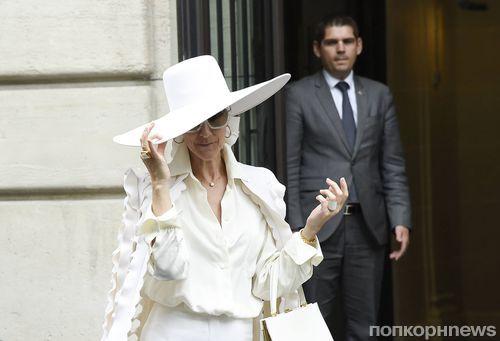 49-летняя Селин Дион повторила смелый образ Леди Гага