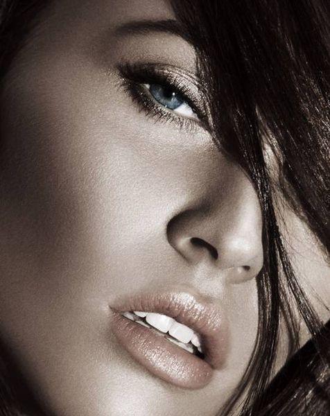 Меган Фокс в новой рекламной кампании летней коллекции косметики Giorgio Armani