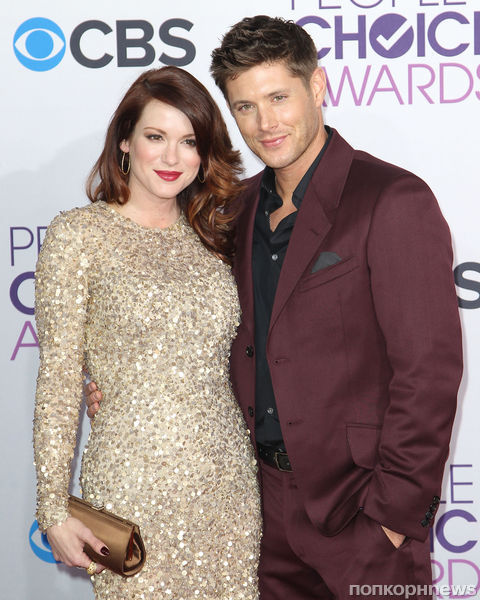 Дженсен эклз и его жена беременна