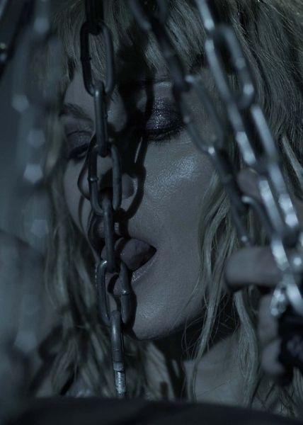 Еще больше фотографий Мадонны для Sticky &Sweet Tour Book