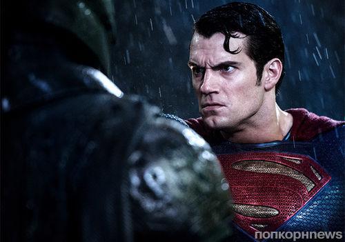 Фото: Герои «Бэтмен против Супермена» на новых постерах