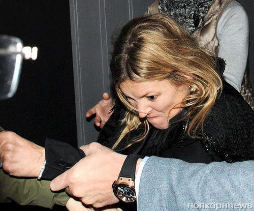 Кейт Мосс подралась с папарацци
