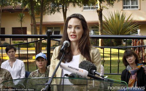 Анджелина Джоли провела Всемирный день беженцев в Кении