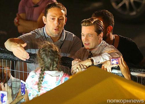Брэд Питт спас маленькую девочку от толпы своих фанатов