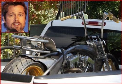 Срочная доставка: золотой мотоцикл для Брэд Питта