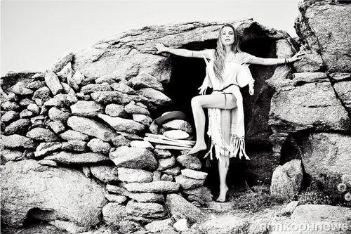 Линдси Лохан снялась в бикини для нового глянца