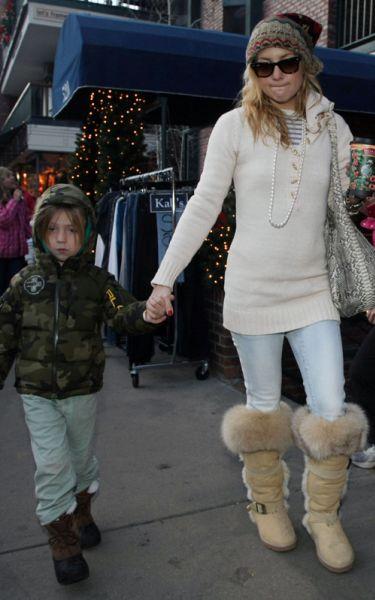 Кейт Хадсон с сыном в Аспене