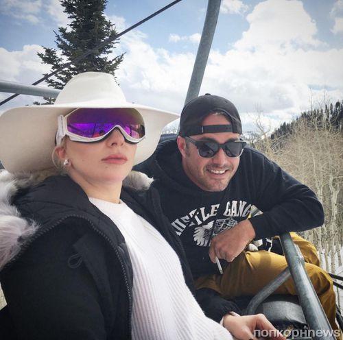 Леди Гага и Тейлор Кинни отдыхают на горнолыжном курорте