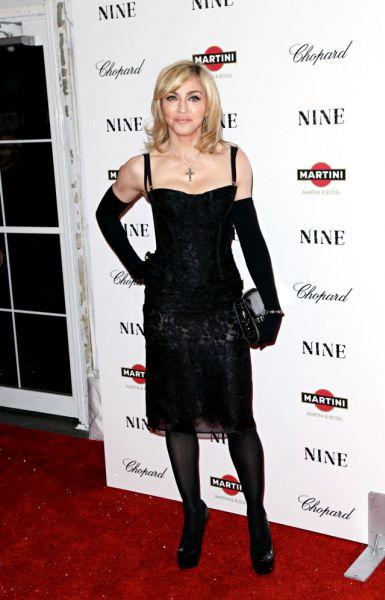 Мадонна готовится сесть в режиссерское кресло