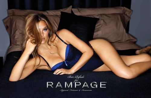 Бар Рафаели в рекламе одежды Rampage