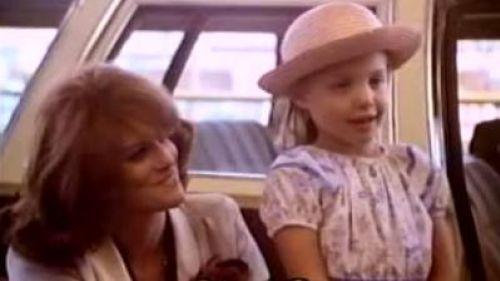 Видео: Анджелина Джоли в 7 лет (первая роль)