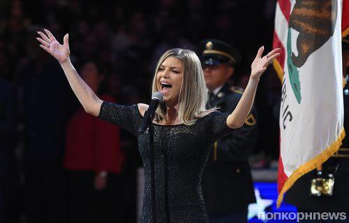 Ферги раскритиковали за «слишком сексуальное» исполнение гимна США (видео)