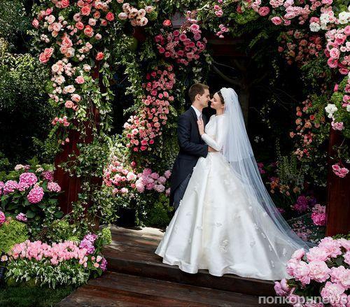 Миранда Керр наконец-то поделилась фото со свадьбы с миллиардером Эваном Шпигелем