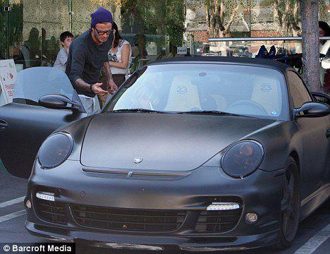Дэвид Бэкхем продает свой Porsche на eBay