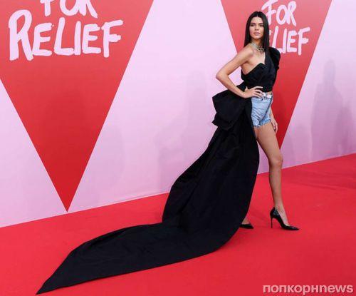 Кендалл Дженнер вышла на красную дорожку Канн 2017 в шортах