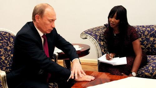 Наоми Кэмпбелл взяла интервью у Владимира Путина для журнала GQ