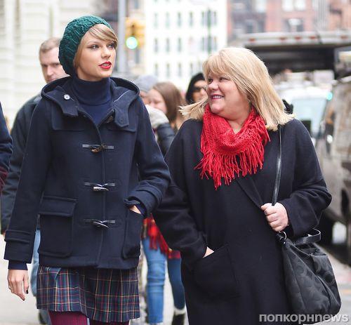 У мамы Тейлор Свифт диагностировали рак