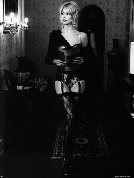 Клаудия Шиффер в журнале Vogue Германия. Октябрь 2009