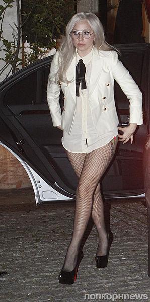 Lady Gaga разделась для благотворительности