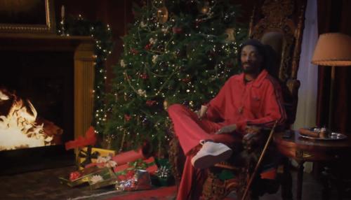 Дэвид Бекхэм и Спуп Догг рассказали рождественскую сказку