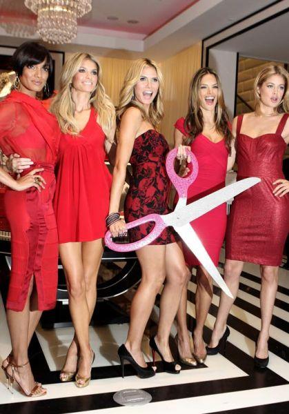 Открытие нового магазина Victoria's Secret