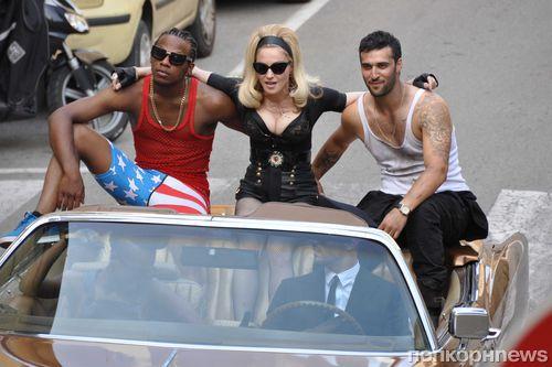 Мадонна на съемках клипа Turn Up The Radio