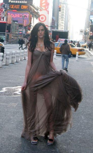 Али Лохан на Times Square