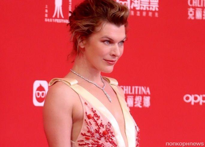 Фото: Милла Йовович на кинофестивале в Шанхае