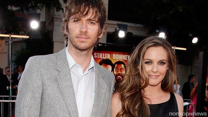 Алисия Сильверстоун объявила о разводе с мужем после 20 лет совместной жизни