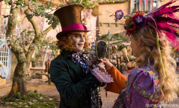 Алиса, Безумный Шляпник и голос Алана Рикмана: В Сети появился новый тизер фильма «Алиса в Зазеркалье»