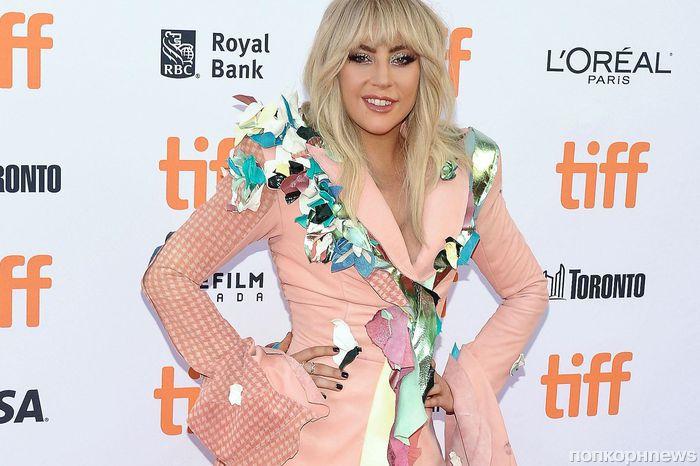 Леди Гага получила почетную награду «Мисс Гей Америка»