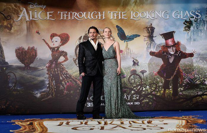 Звезды на лондонской премьере фильма «Алиса в Зазеркалье»