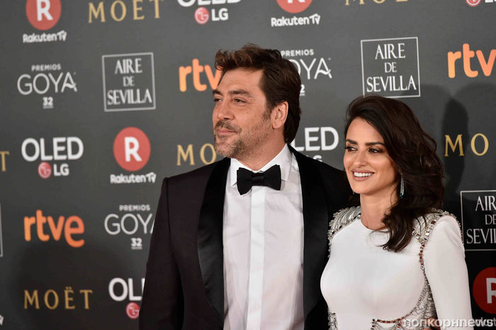 Пенелопа Крус и Хавьер Бардем на красной дорожке Goya Cinema Awards