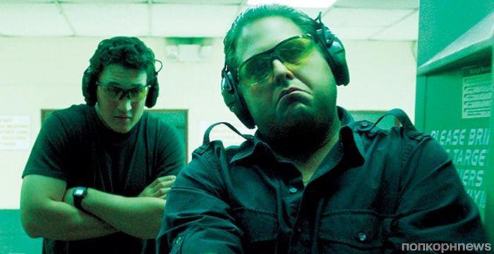 Майлз Теллер и Джона Хилл в новом трейлере фильма «Парни со стволами»
